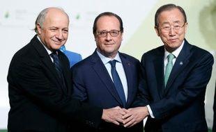 Laurent Fabius, François Hollande et Ban Ki-moon à l'ouverture de la COP21 le 30 novembre 2015 au Bourget