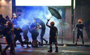 Des manifestants protestent contre une loi d'extradition controversée à Hong Kong, le 28 juillet 2019.