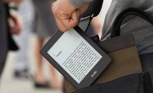 Le Kindle Paperwhite d'Amazon.