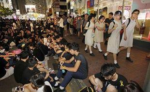 Ils sont encore des milliers à continuer de manifester pacifiquement.