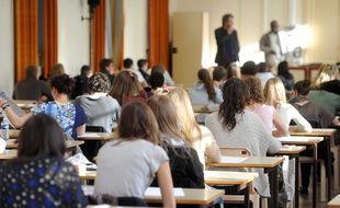 Selon les premiers résultats de l'étude,  qui doivent être confirmés,des « stéréotypes » affectant notre capacité à se mettre à la place de quelqu'un d'autre pourraient apparaître à l'adolescence.