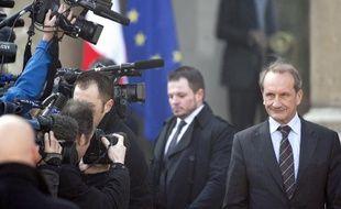 Gérard Longuet, le 2 mars 2011, à la sortie du conseil des ministres, à l'Elysée.