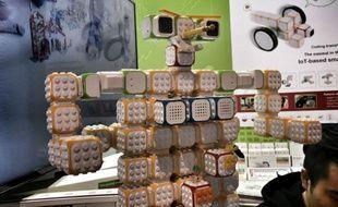 Cubroid: des cubes connectés à associer et à programmer.