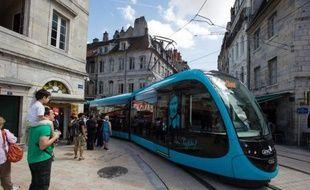 Le tramway de Besançon, inauguré le 30 août 2014