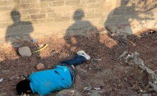 Les corps de 24 personnes ont été découverts dans les Etats mexicains de Michoacan (ouest) et de Guerrero (sud), comptant parmi les Etats les plus touchés par la violence des trafiquants de drogue, ont annoncé samedi les autorités locales.