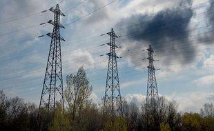 Pylônes à haute tension. Illustration électricité. Strasbourg