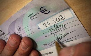 Ils encaissaient des chèques volés pour un total de près de 80.000 euros.