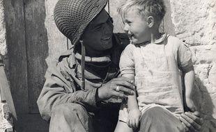 Cette photo a été prise le 10 juin 1944, quelques jours après le débarquement.