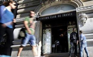 L'entrée de l'Aviation club de France (ACF) sur les Champs-Elysées, le 16 septembre 2014 à Paris