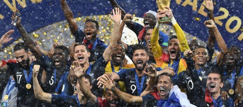 Les Bleus soulevant la Coupe à l'issue de la finale en Russie le 16 juillet (image d'illustration).