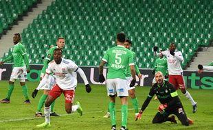 L'ASSE a sombré dimanche soir face à l'OL de Tino Kadewere (0-5).