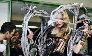 Loïc Prigent a filmé les coulisses des défilés des plus grands couturiers.