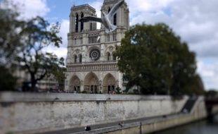 Nouvelles cloches, grand orgue nettoyé, muséographie revue: la Cathédrale Notre-Dame de Paris se prépare à célébrer en 2013 les 850 ans de la pose de sa première pierre.