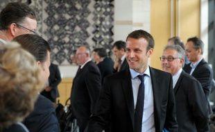 Le ministre de l'Economie Emmanuel Macron avant une réunion avec le Comité stratégique de la filière ferroviaire, au ministère de l'Economie à paris le 20 juillet 2015