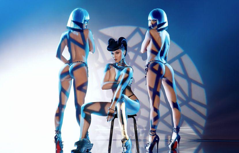VIDEO. La danseuse Viktoria Modesta au Crazy Horse: «La technologie mêlée à la nudité, c'est très puissant!»
