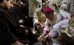 La communauté internationale ne fait pas assez pour les chrétiens d'Orient, a affirmé dimanche le Patriarche latin de Jérusalem, Mgr Fouad Twal, lors de la messe de Pâques.