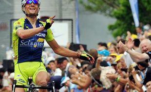 Le coureur de Bretagne Schuller, Dimitri Champion, lors de sa victoire au championnat de France sur route le 28 juin 2009 à Saint-Brieuc.