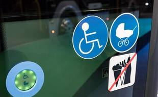 Un bus pour personnes en situation de handicap (Illustration)