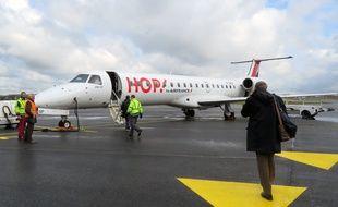Illustration d'un avion Hop d'Air France, ici sur le tarmac de l'aéroport de Rennes.