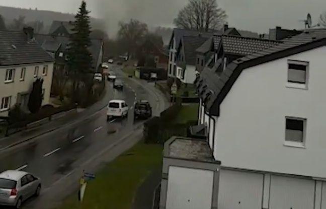 VIDÉO. Allemagne: Une tornade passe sur une commune et abîme une trentaine de maisons
