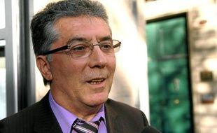 Exclu du PS, Robert Navarro est mandataire de François Hollande pour les primaires du parti.