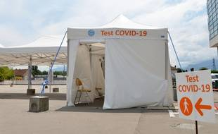 Un centre de dépistage Covid à Grenoble.