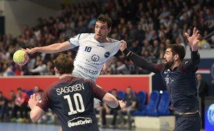Maxime Gilbert, le demi-centre du Fenix Toulouse handball.
