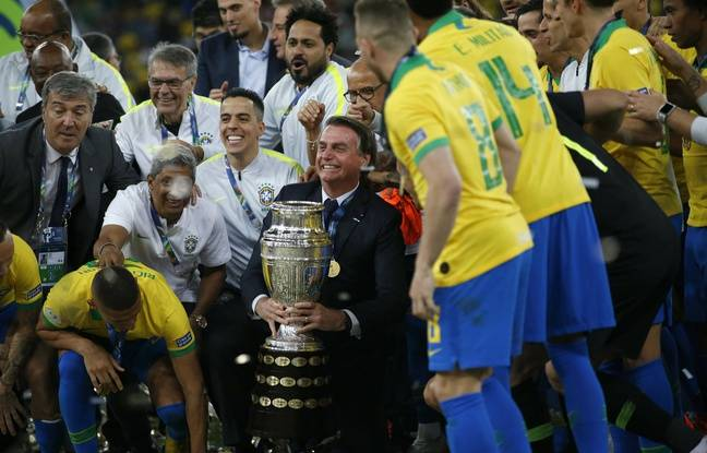 Le Brésil remporte sa 9e Copa América et les joueurs fêtent ça avec Jair Bolsonaro