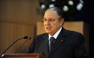 Le président algérien Abdelaziz Bouteflika est sorti de sa réserve cette semaine pour défendre ses réformes politiques, sévèrement critiquées par l'opposition et une partie de son propre camp à l'Assemblée nationale.