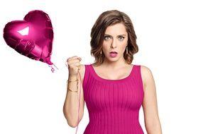 Rachel Bloom va devenir votre «Crazy Ex-Girlfriend» le dimanche soir sur Téva