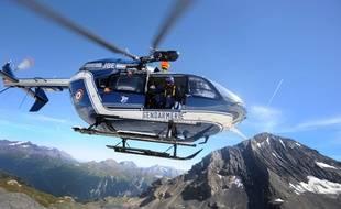 Une hélicoptère de secours des gendarmes en zone de montage. (archives)
