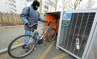 Des abris sécurisés, collectifs ou individuels (comme ici à Pirmil), sont installés.