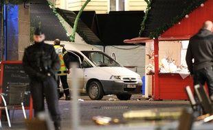 La camionette qui a fauché une dizaine de personnes sur le marché de Noël de Nantes le 22 décembre 2014.