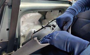 La pâte d'amphétamine était dissimulée dans une voiture.