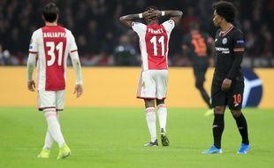 Quincy Promes (au centre) frustré par l'annulation de son but lors d'Ajax-Chelsea, le 23 octobre 2019.