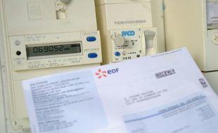 Un compteur électrique et une facture EDF