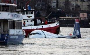Les oiseaux, responsables apparemment de la panne des deux réacteurs d'un Airbus A320 contraint de se poser jeudi sur l'Hudson River à New York, sont à l'origine de nombreux accidents dans le monde.