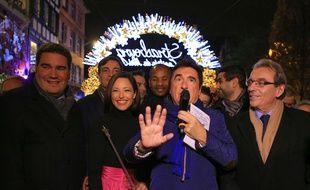 Natasha St-Pier a lancé les illuminations de Noël avec une baguette magique. Strasbourg le 25 novembre 2016.