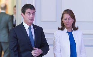 Le Premier ministre Manuel Valls et la ministre de l'Ecologie Ségolène Royal, place Beauvau, le 6 juin 2016.