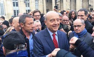 Alain Juppé, dans la cour de l'hôtel de ville de Bordeaux, le 7 mars 2019, pour son au-revoir aux Bordelais