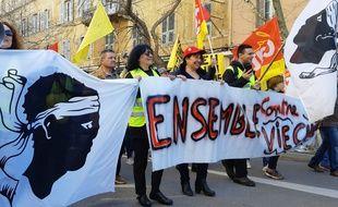 Seulement 250 gilets jaunes ont manifesté, avec la CGT, ce mardi 5 janvier 2019 à Bastia.