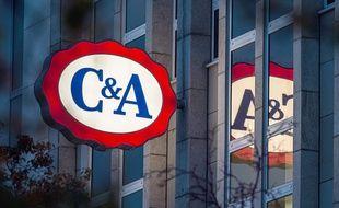 Le logo des magasins C&A (image d'illustration).