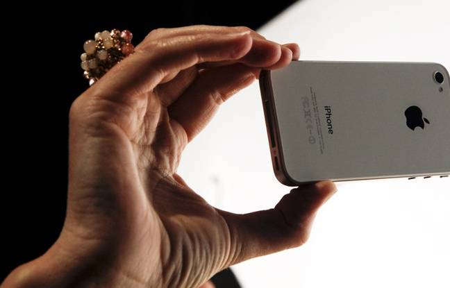 Une personne utilisant Facetime sur un iPhone (illustration).