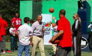 Barack Obama avec Paul Pierce, le 6 avril 2015