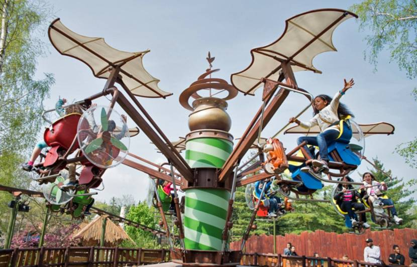 Parc asterix attractions