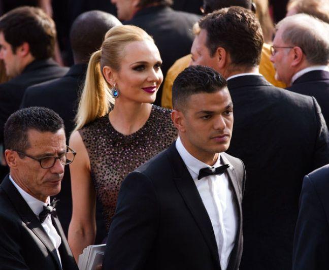Hatem Ben arfa bien accompagné lors du festival de Cannes.