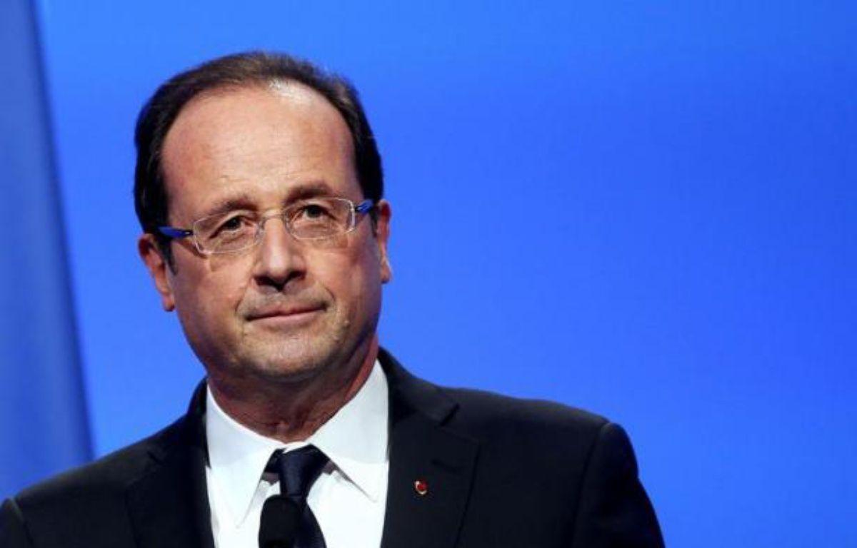 """Le président François Hollande s'est entretenu lundi avec son homologue centrafricain François Bozizé, appelant à """"l'ouverture d'un dialogue entre les autorités centrafricaines et toutes les parties en présence, notamment la rébellion"""", a annoncé l'Elysée. – Kenzo Tribouillard afp.com"""