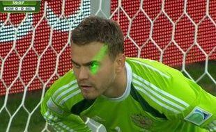 Igor Akinfeev lors du match entre la Russie et l'Algérie le 26 juin 2014.