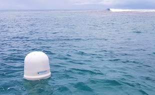 L'une des bouées et sa station météo ont été installées en Polynésie française.