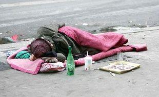 Un sans-abri dans les rues de Paris